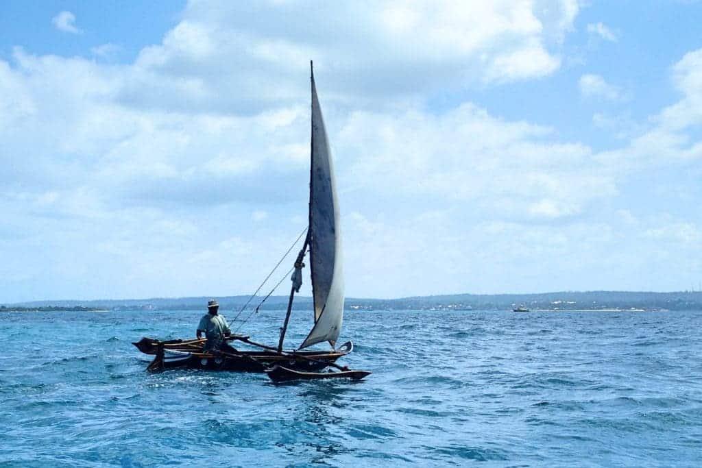 סופר סירת דאו מסורתית בזנזיבר - איפה גיל? XU-56