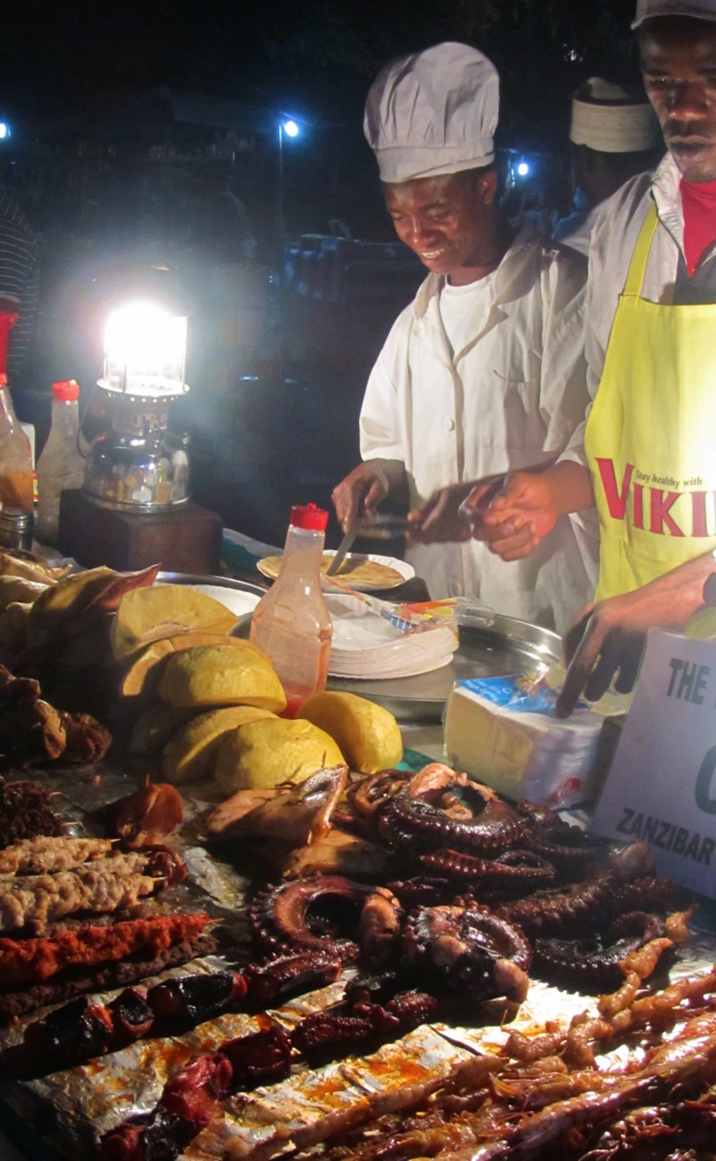שוק הלילה בזנזיבר למטייל העצמאי