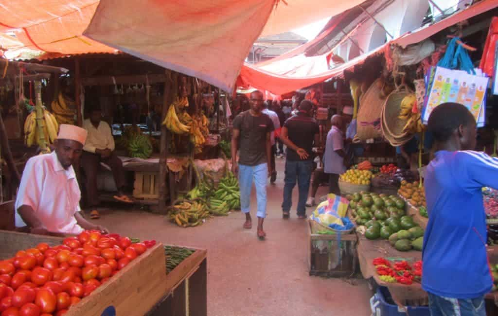 שוק הפירות והתבלינים בזנזיבר