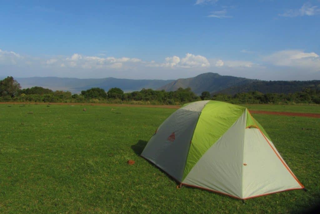 אוהל במחנה הלילה סימבה - מכתש נגורונגורו