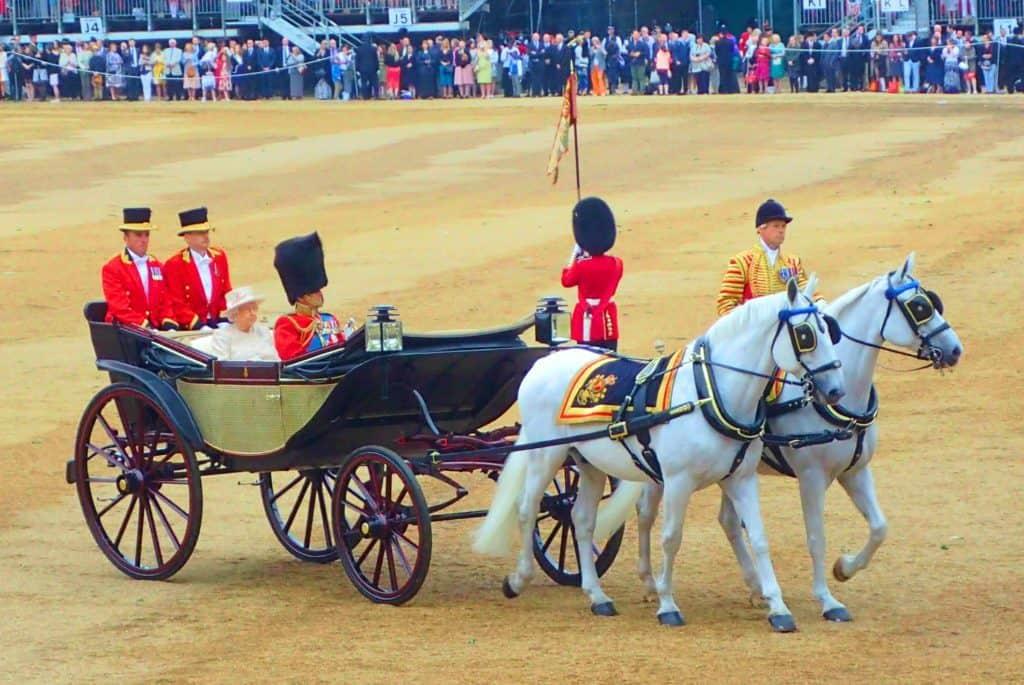 מלכת אנגליה בלונדון - דברים לעשות בלונדון בחינם?