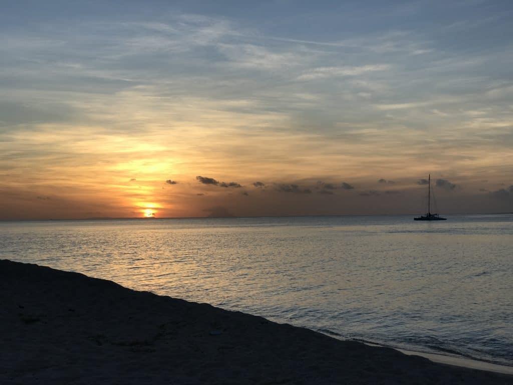 שקיעה באי הפפאי באיי טונגה