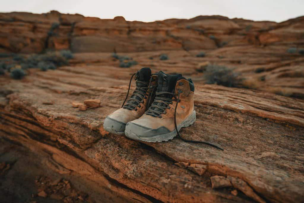 נעלי הליכה מעור